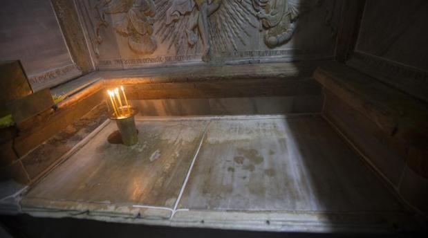 Vista de la tumba de Jesucristo en la Iglesia de la Santa Sepultura en Jerusalén