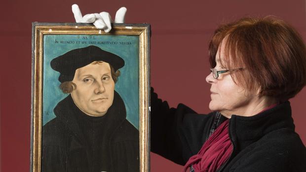 Martín Lutero se enfrentó a la autoridad papal al criticar su doctrina sobre las indulgencias
