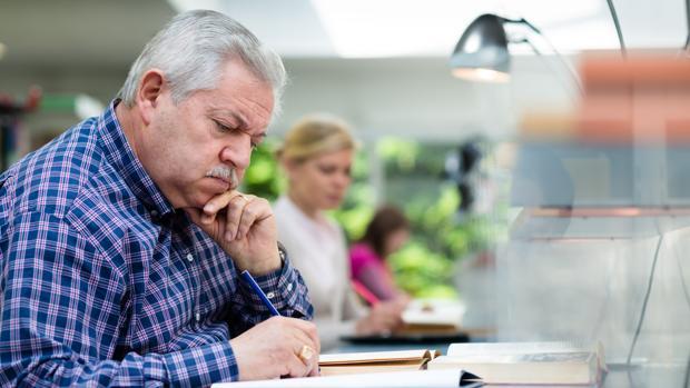 Los participantes en el grupo de 2012 tenía, en promedio, un año más de educación que los de 2000