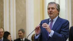 El ministro de Educación, Íñigo Méndez de Vigo, ayer en la toma de posesión de los altos cargos de su Ministerio
