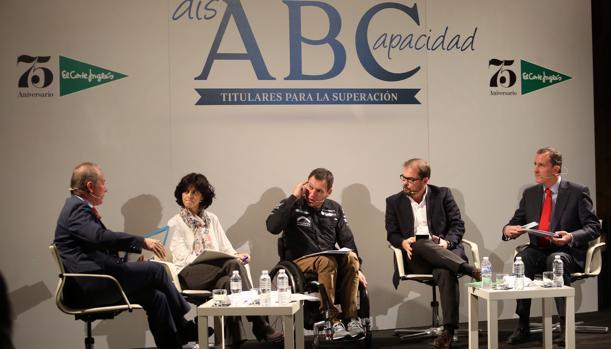 Albert Llovera: «La silla de ruedas te da autonomía; el coche, libertad»
