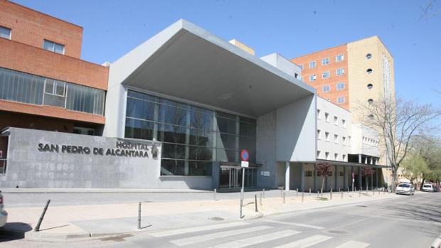 Hemeroteca: Cuatro pacientes, contagiados de Hepatitis C en el hospital de Cáceres   Autor del artículo: Finanzas.com