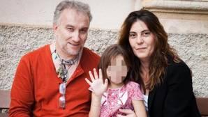 Los padres de Nadia mantenían relaciones sexuales delante de la niña en la cama