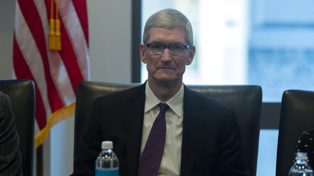 Apple baja el sueldo a Tim Cook y a sus altos directivos por no cumplir objetivos