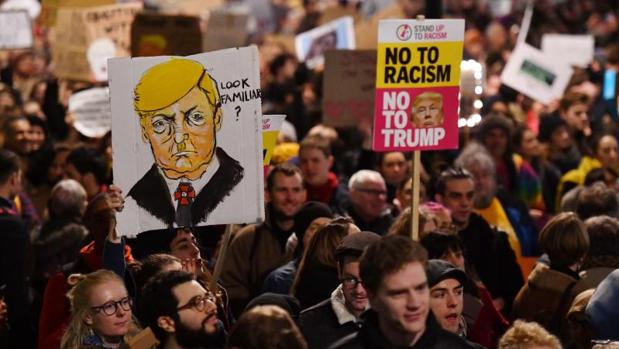Manifestación en Londres contra las políticas migratorias del presidente de EE.UU., Donald Trump