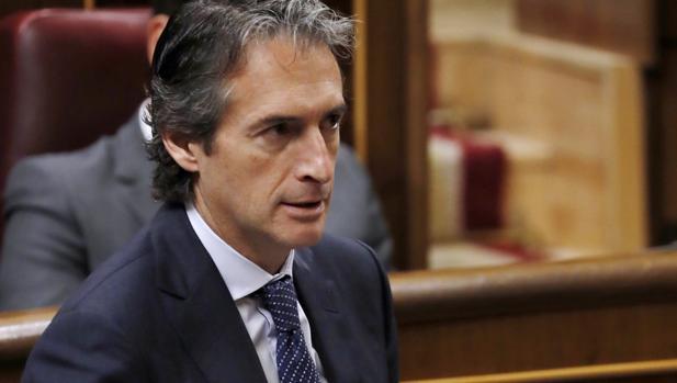 El ministro de Fomento, Íñigo de la Serna, hoy en el Congreso de los Diputados