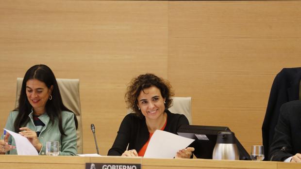 La ministra de Sanidad, Igualdad y Servicios Sociales, Dolors Montserrat