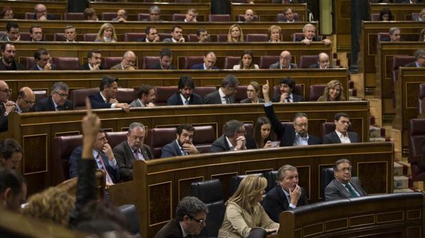 Bruselas responde al PSOE que si se paraliza la Lomce «hay riesgo importante» de perder los fondos europeos