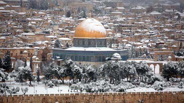Nieve en la Explanada de las Mezquitas de Jerusalén en febrero de 2015