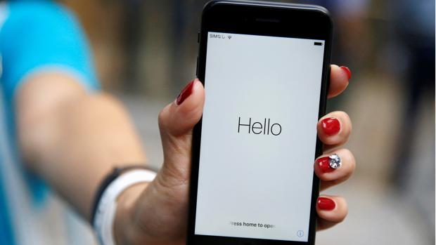 La adicción al teléfono móvil puede provocar accidentes