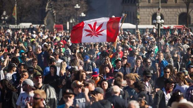 Una concentración el pasado 20 de abril de 2016 en Ottawa para celebrar el día nacional de la marihuana