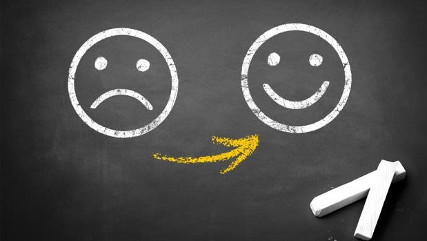 Psicología:  Cómo encontrar la felicidad haciendo el «ejercicio de la lápida»