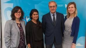 (De izq. a dcha.) Ángela Mediavilla, Seeta Bhardwa, Francisco Pérez y Dasha Karzunina, en el 'Building Universities' Reputation' (BUR) 2017.
