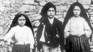 Jacinta, Francisco y Lucía, los tres pastorcillos de Fátima