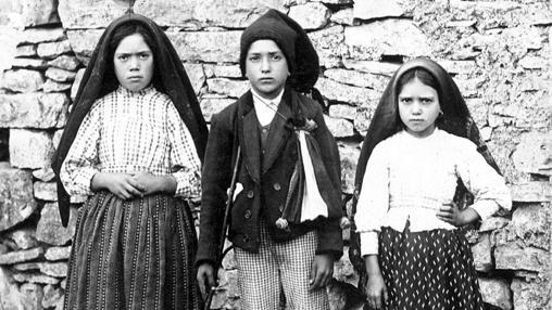 Lucia, Francisco y Jacinta, en 1917