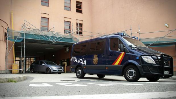 Vista de la comisaría de la Policía Nacional de La Coruña, donde se encuentra detenido