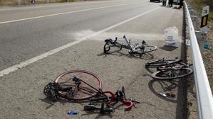 Restos del accidente en Los Palacios