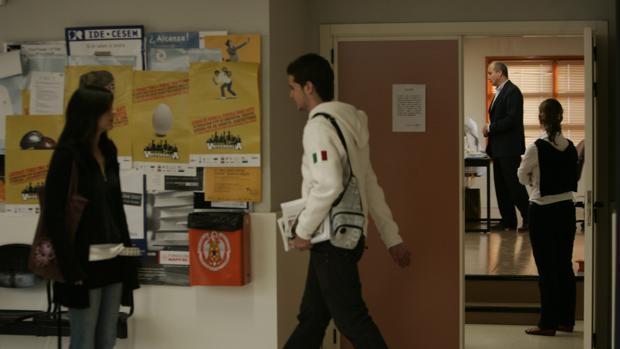 La precariedad laboral del profesorado se ha acentuado con la crisis