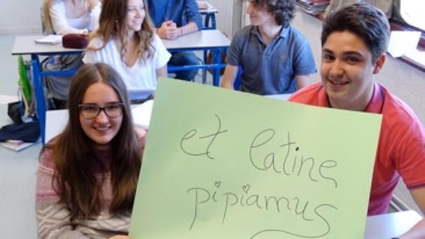 et Latine pipiamus