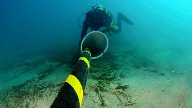 Trabajos de instalación del proyecto submarino de «Marea»