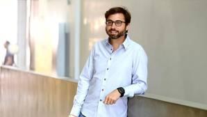 Richard Bonneau atiende a ABC para hablar sobre el uso de la inteligencia artificial en la publicidad
