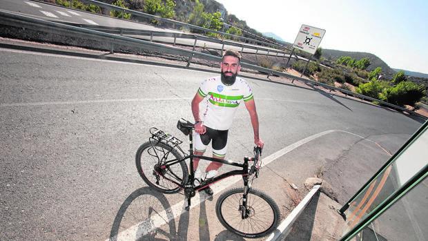 Suso, el profesor de Córdoba que irá hasta Santiago en bicicleta