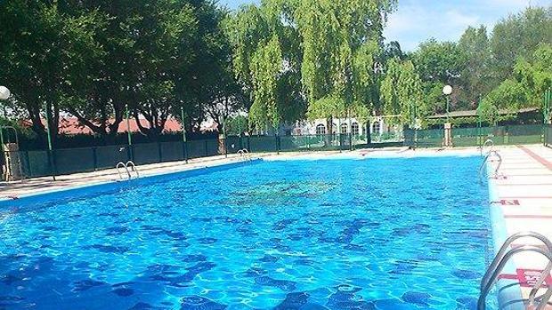 Hallan ahogado a un ni o de dos a os en la piscina de una for Piscina h 90