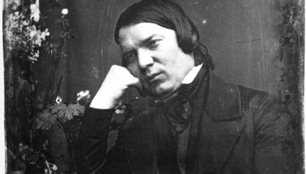 Robert Schumann fue un compositor y crítico musical alemán del siglo XIX. Es considerado uno de los más grandes y representativos compositores del Romanticismo musical