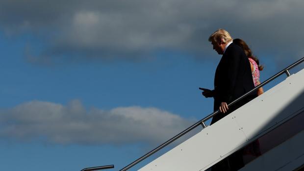 El presidente de EE.UU. Donald Trump y la primera dama Melania Trump llegan a Viena, el pasado julio