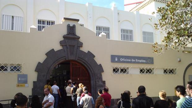 El 88 de los j venes espa oles tiene dificultades para for Oficina de registro barcelona