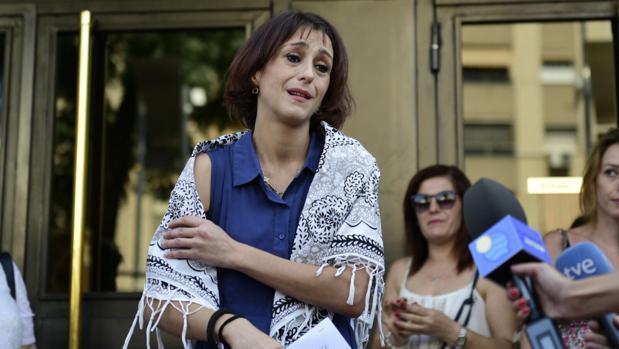 Juana Rivas, este martes, ante los medios