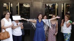 Juana Rivas sale del juzgado en libertad provisional