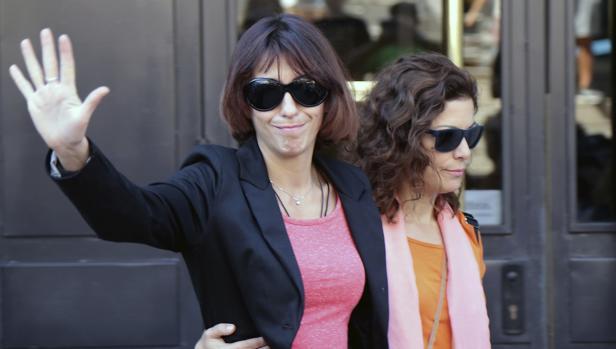 Juana Rivas, en su última salida de los juzgados de Granada donde declaró como investigada por la presunta sustracción de los menores, el pasado martes 5 de septiembre