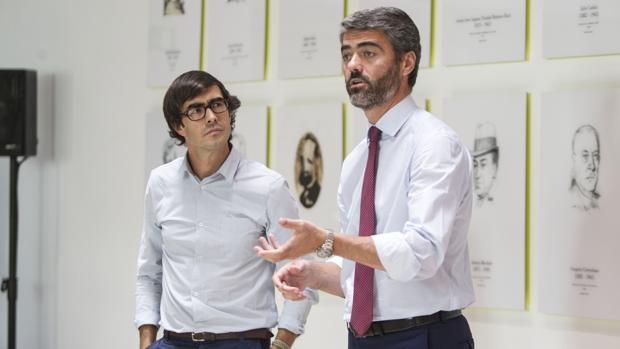 El consejero delegado de Vocento, Luis Enríquez, junto al director de innovación de Vocento, Borja Bergareche