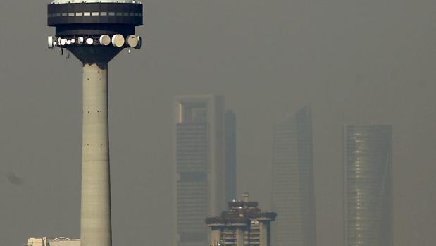 El cielo madrileño, víctima de la contaminación