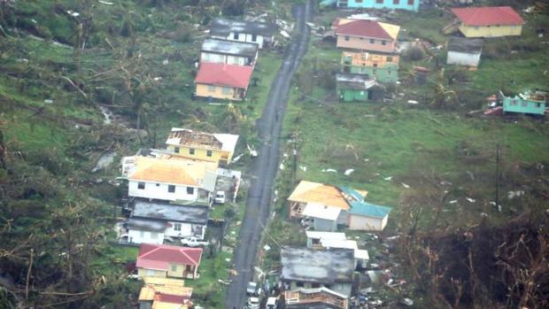 Huracán María tras el paso por la isla de Dominica