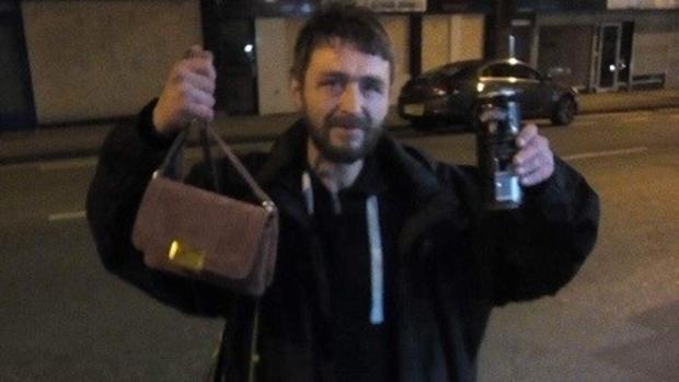 Paul Calderbank, el mendigo que se ha convertido en noticia en Inglaterra por su buen hacer