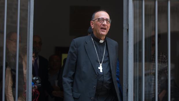 Los obispos españoles, como Juan José Omella, quieren evitar la confrontación