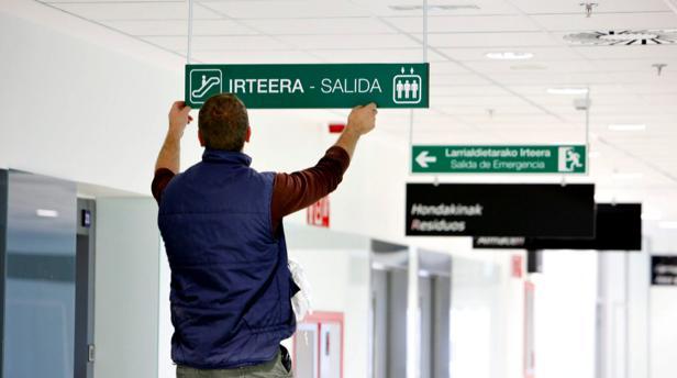 Protesta de padres contra la «euskaldunización» de la enseñanza pública de Navarra