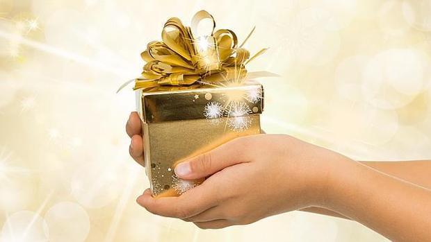 Para hacer el sorteo del amigo invisible de una manera más sencilla se puede recurrir a las nuevas tecnologías; también para dar con el regalo perfecto