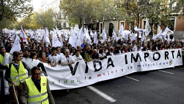 Manifestación en contra de la ampliación de la ley del aborto y en defensa de la vida