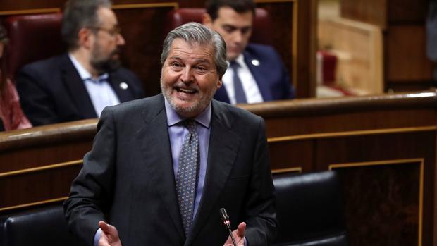 El ministro de Educación, ïñigo Méndez de Vigo, esta mañana en el Congreso