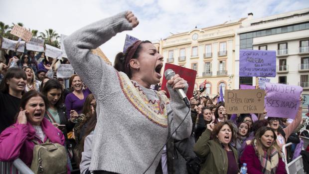 Unas 300 personas concentradas en Málaga con motivo de la huelga feminista