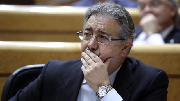 Zoido plantea que el centro nacional de desaparecidos for Nombre del ministro de interior