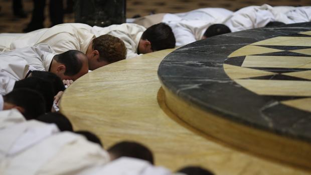 Ordenación de nuevos sacerdotes
