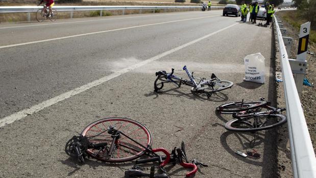 El PSOE pide rebajar las penas que pide el PP por atropellar ciclistas