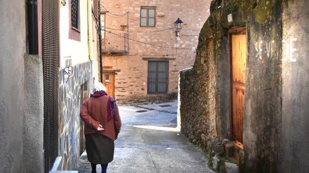 Descargamaría, en plena Sierra de Gata cacereña, tiene 130 habitantes