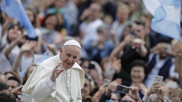 El Papa Francisco ha pedido a China que respete a los católicos