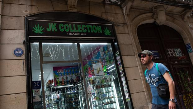 Tienda con material para el cultivo de marihuana en Barcelona