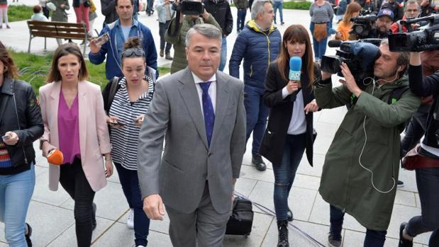 El abogado de cuatro de los cinco miembros de La Manada, Agustín Martínez Becerra